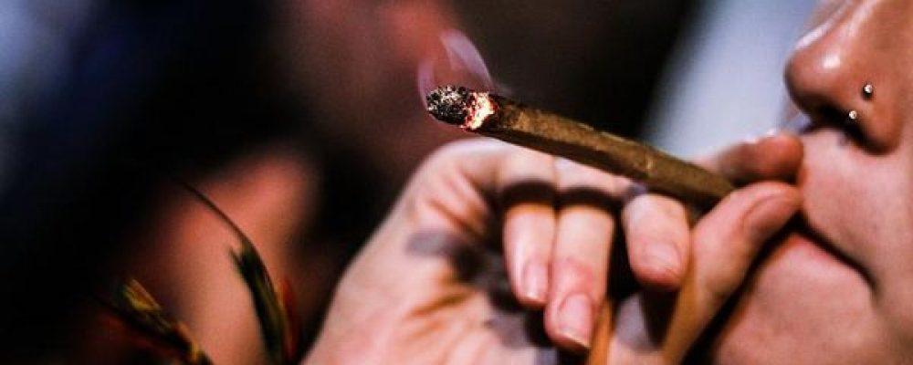 El debate político en torno al cannabis resurge en España