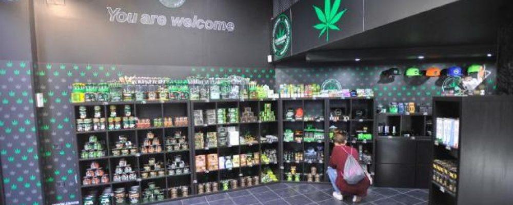 La tienda del cannabis abre en el Centro de Málaga