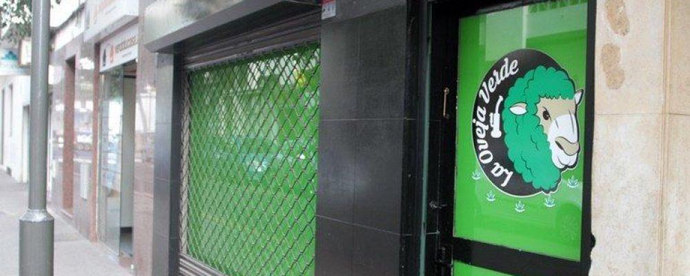 La Policía Local inspecciona el club de cannabis 'La Oveja Verde' tras las quejas vecinales por olores